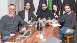"""KulturhauptSTART-Arbeitsgruppe """"Mission Statement"""" mit Martin Rotheneder, Jakob Redl, Martin Helge Hrasko, Doris Zichtl und Peter Rauchecker. Foto: z.V.g."""