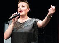 Diana Köhle veranstaltet den 10. Tagebuchslam St. Pölten . Foto © Anna Konrath, z.V.g.