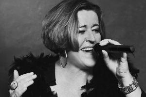 "Juliane Stieglitz stellt CD ""Dancing Alone"" vor @ <a href=""http://www.cityflyer.at/listing/seedose/"">Seedose</a>"