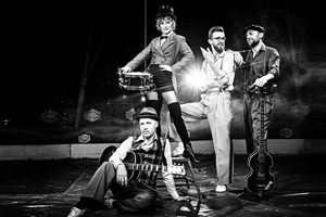 "Moderner Swing mit Marina & The Kats @ <a href=""http://www.cityflyer.at/listing/buehne-im-hof/"">Bühne im Hof</a>"