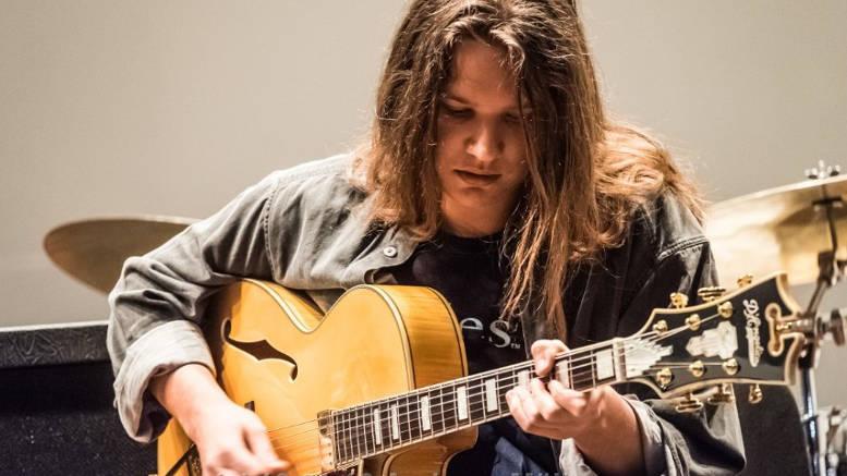 Jazzgitarrist Manu Alto spielte mit hervorragenden Kollegen sein erstes Album ein. Foto: privat, z.V.g.