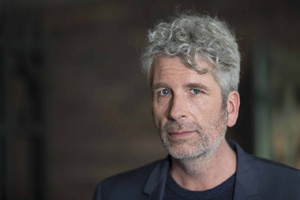 """Dirk Stermann und sein Buch """"Der Hammer"""" @ Cinema Paradiso"""