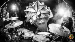 Bandleader, Studioboss und Labelchef Sam Gilly von House Of Riddim auf seinem Thron Foto: Goa Sunsplash, privat, z.V.g.