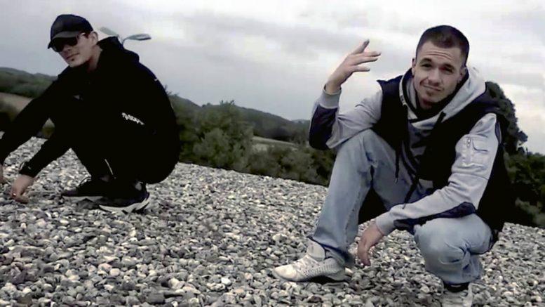 "Flo Knixx und Zody - ""Bullet"""